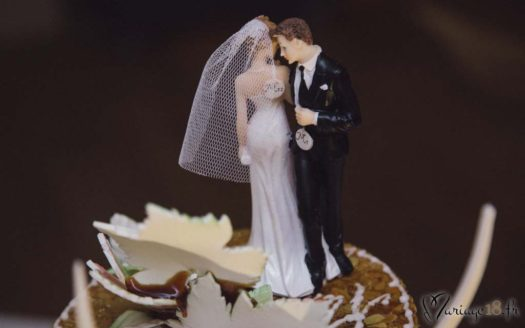 gateau mariage couple biscuits personnages massepain sucre