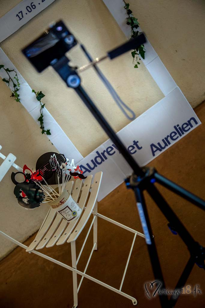 Photobooth-Jeux-Photocall_appareil-photo-mariage-invites-organisation-Bourges-Centre-pas-Cher-18